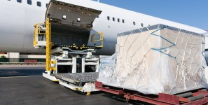 Air cargo carriers handled fewer shipments of export cargo and import cargo in international trade in May.