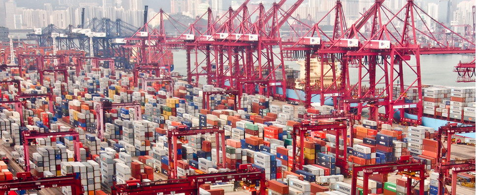 Global ports saw more shipments of export cargo and import cargo in international trade in the fourth quarter of 2016.