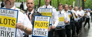 Atlas Pilots Picket Shareholder Meeting in New York