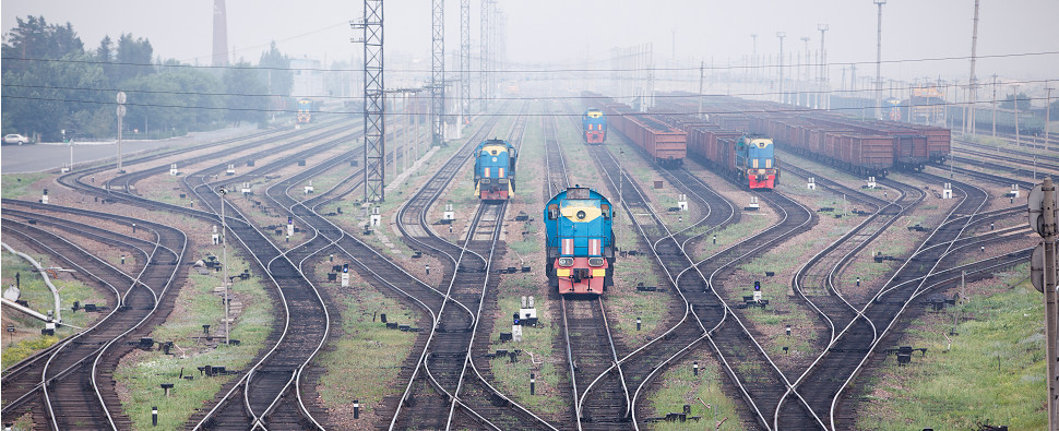 India's port-rail projects aim to handle more shipments of export cargo and import cargo in international trade.
