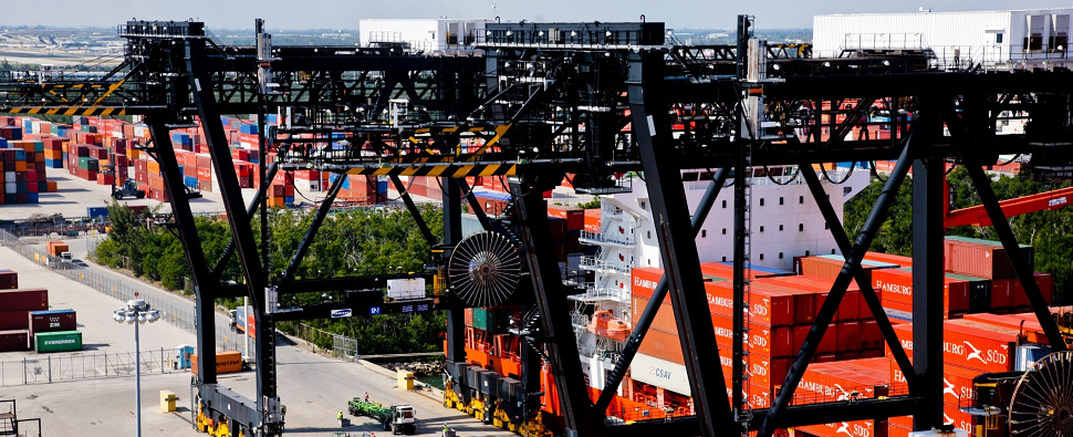 Florida ports are open to vessels carrying shipments of export cargo and import cargo in international trade.