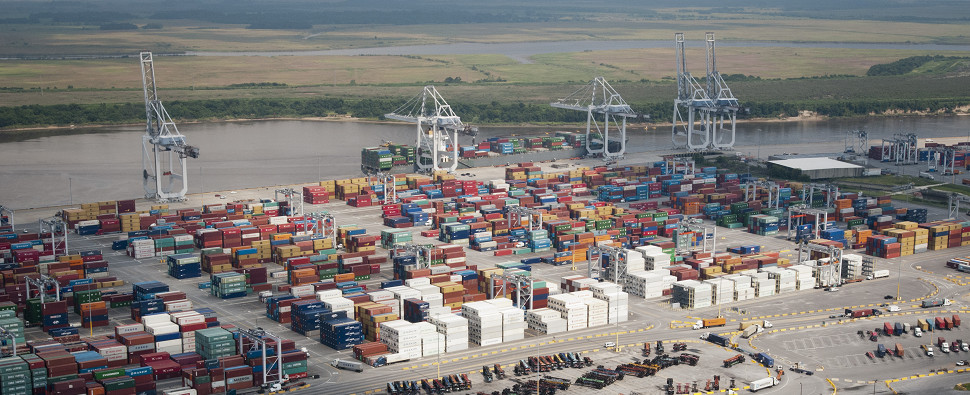 Port connectivity is not necessarily connected to more shipments of export cargo and import cargo in international trade.